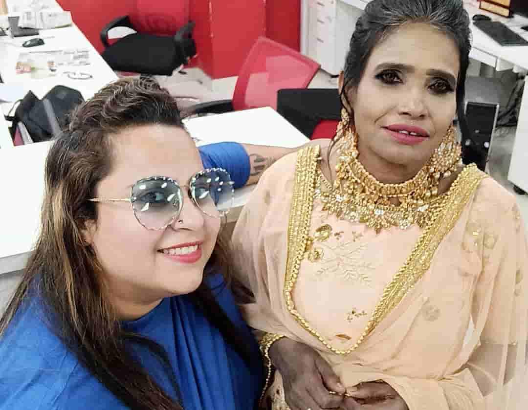 Ranu Mandal in beauty parlour inaugaration