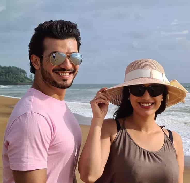 Arjun Bijlani with wife in Goa