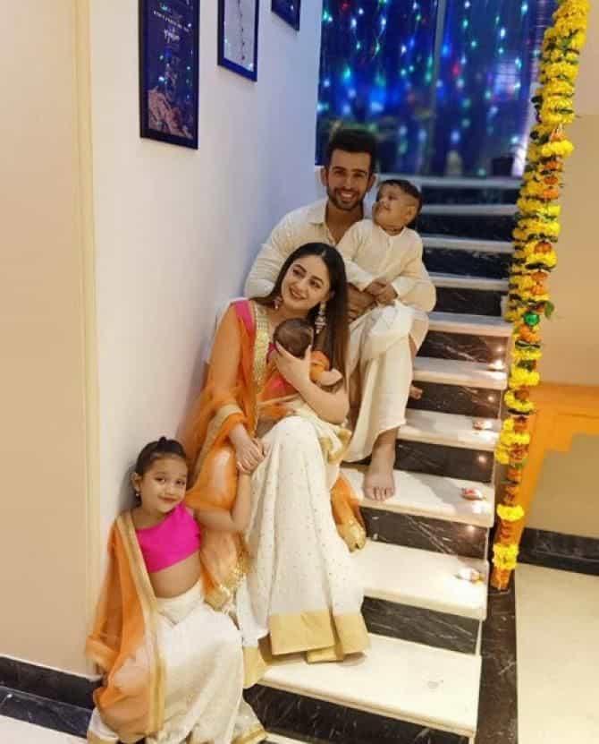 Jay Bhanushali and Maahi Vij with their kids