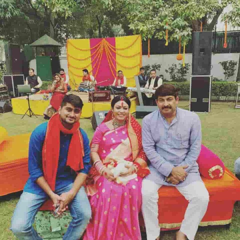 Manoj Tiwari with Wife